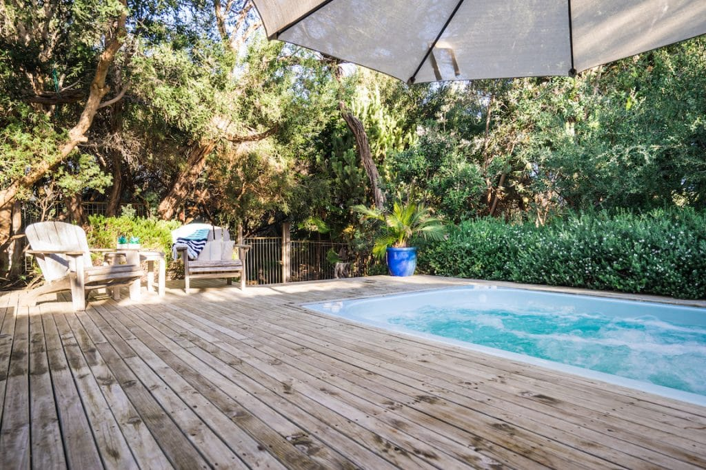 Spend Valentines on the Mornington Peninsula and try the outdoor spa at Warawee Beach house Blairgowrie