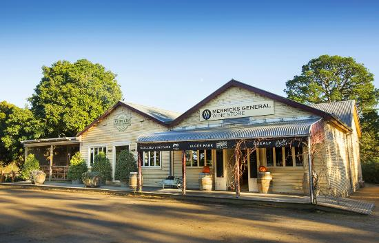 Merricks General Wine store, the perfect lunch stop